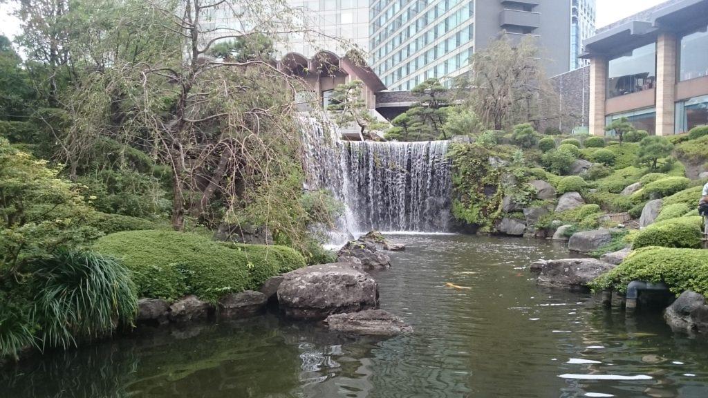 ニュ-オオタニ 庭の滝